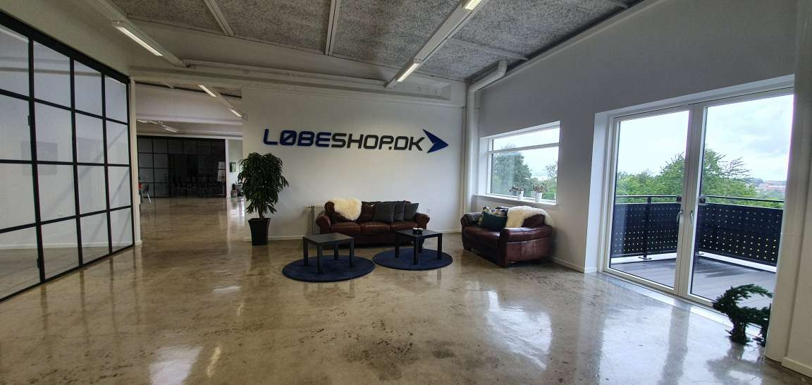 Løbeshop lounge area